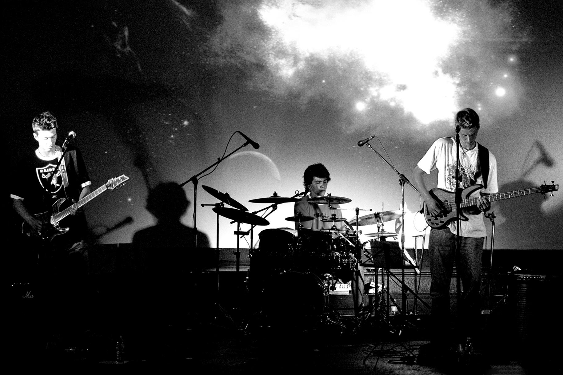 Hoist live at The Park Theatre in Winnipeg c. 2006 – photo by JT Austin